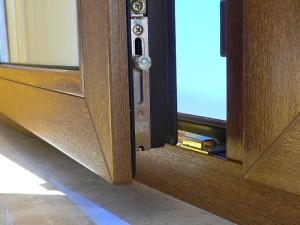 Kunststoff- oder Holzfenster