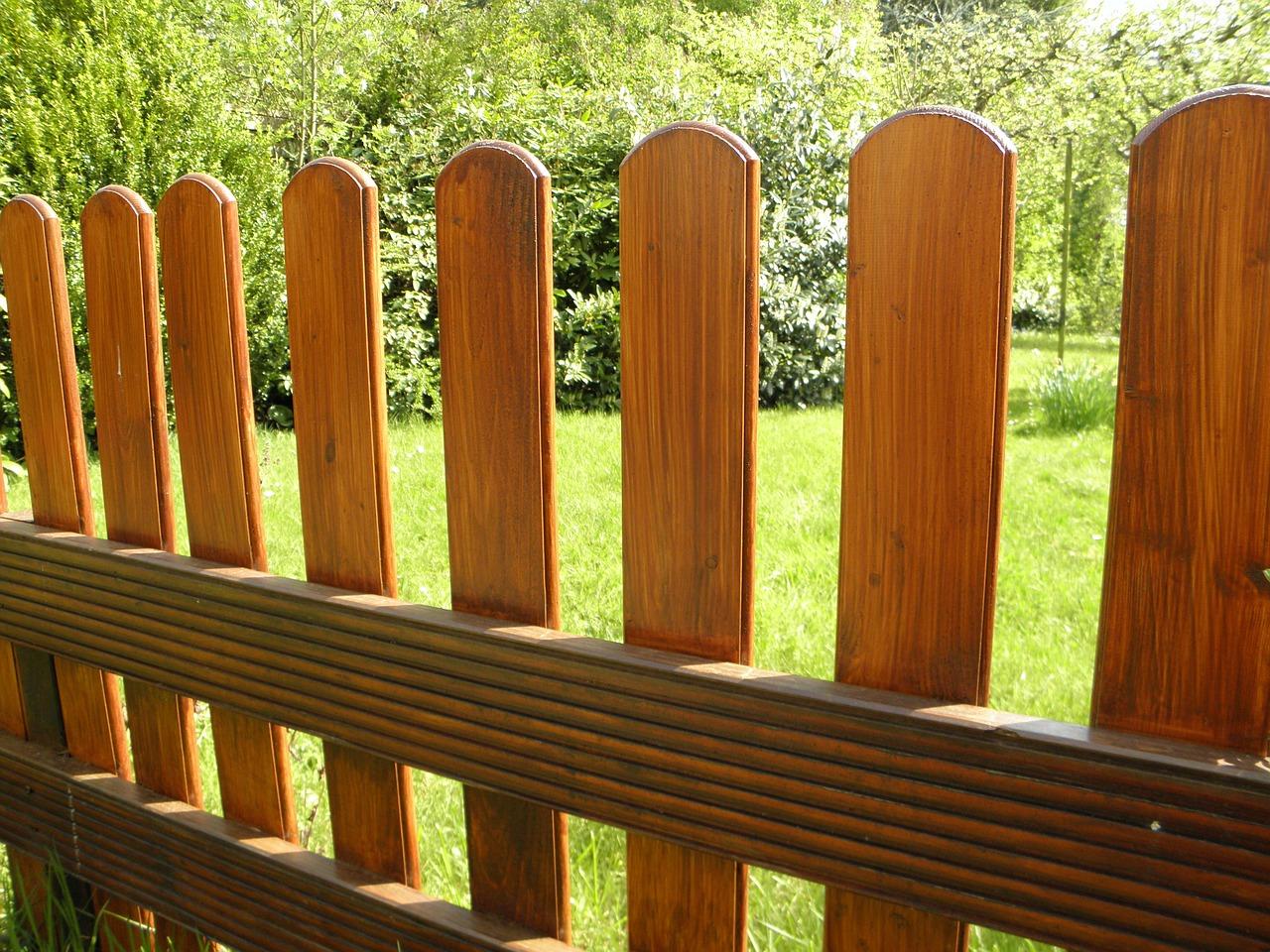 Welche Vorteile hat ein Holzzaun?